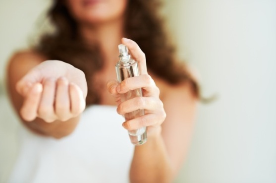 Recipe-Almond-clove-and-vanilla-body-spray